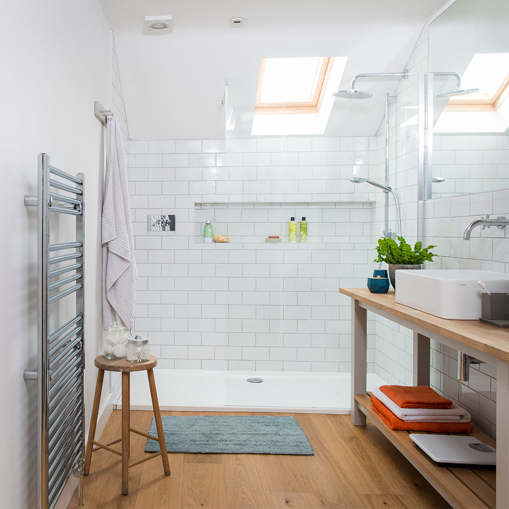 Large-en-suite-shower-room-shower-rooms-Colin-Poole